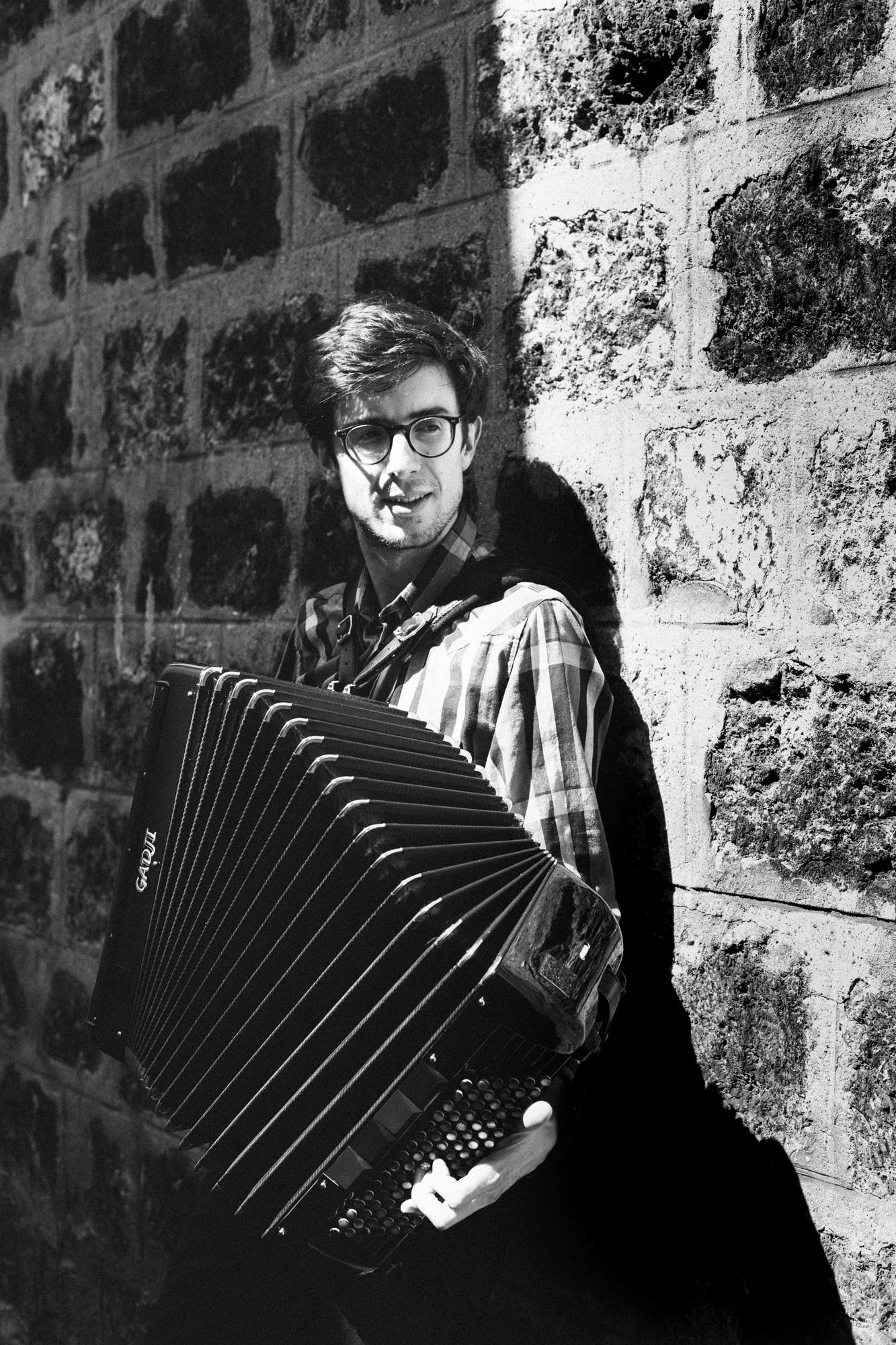 Accordion lessons in Paris for home tuition