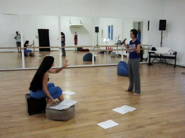 Cours de chant en studio coaching répertoire